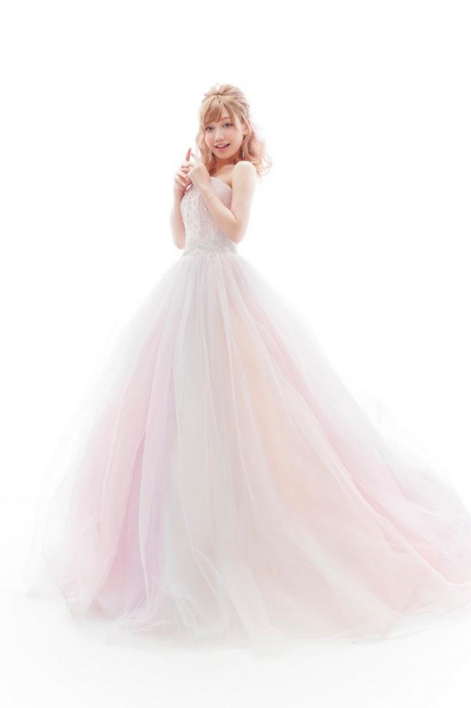 ペールピンクドレス