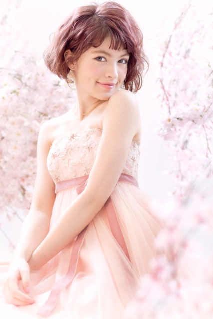 織田エリカピンクドレス