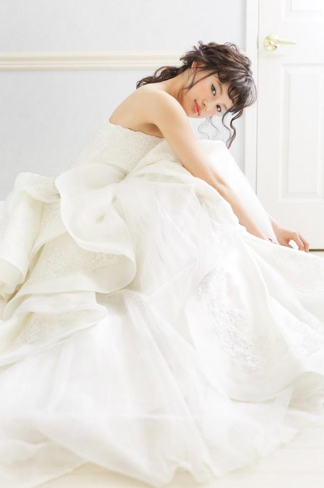 しほりちゃん白ドレス