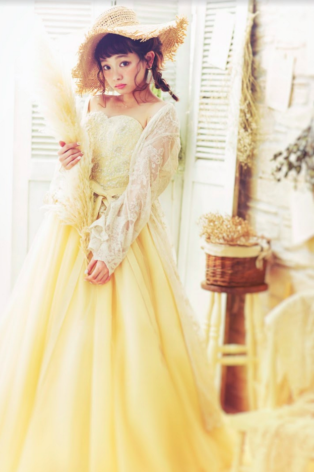 まなかちゃん黄色ドレス